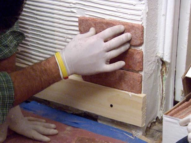 Как класть облицовочный камень в квартире